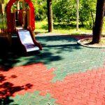 Тротуарная резиновая плитка: особенности производства и укладки
