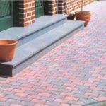 Отмостка из плитки тротуарной: защищаем фундамент вашего дома
